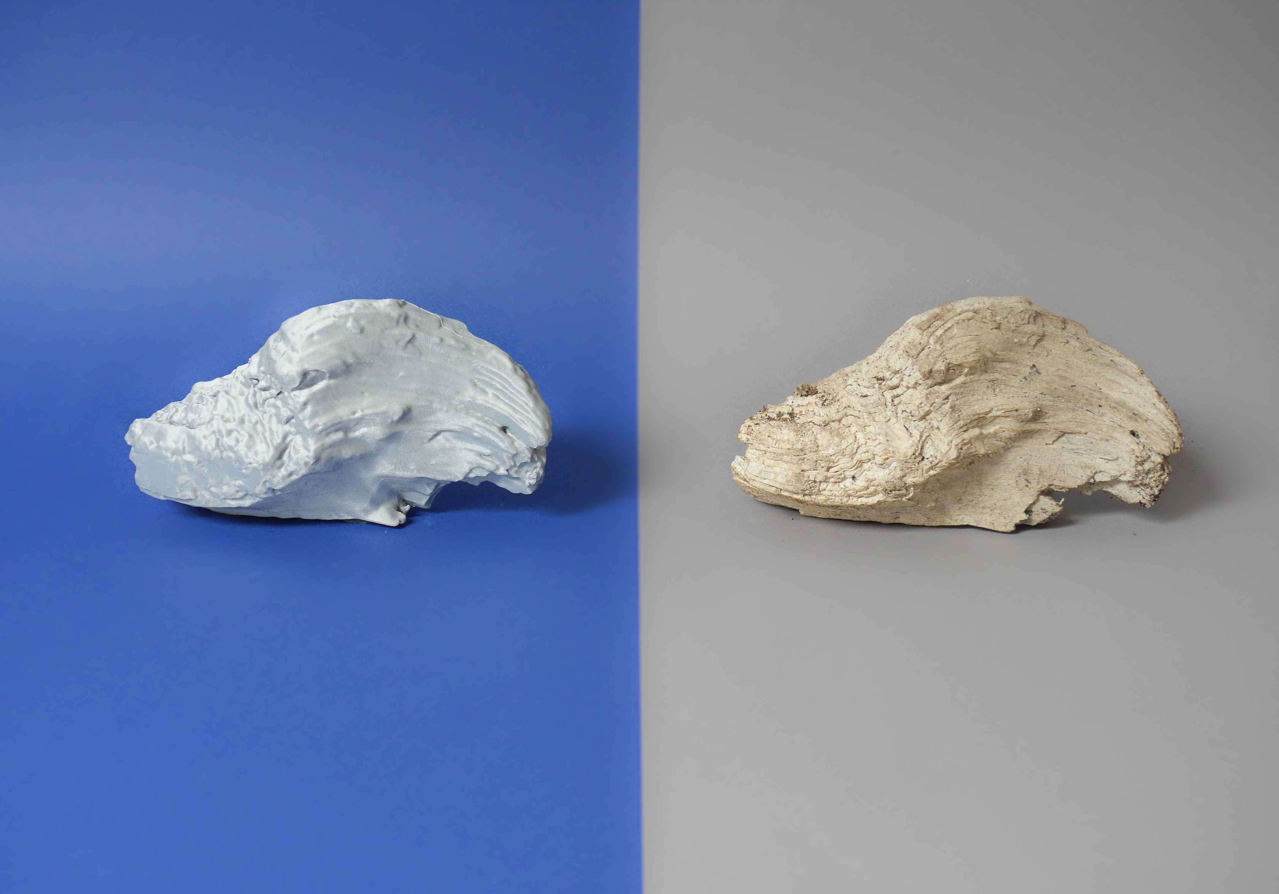 Left: 3D-print, right: original